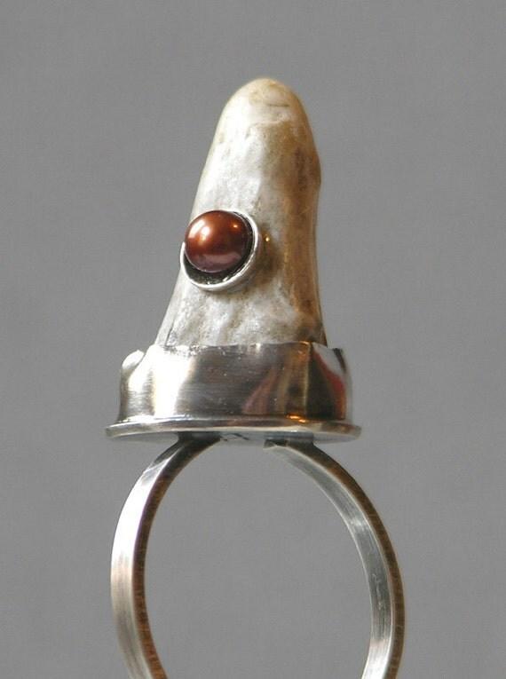Artemis Antler Ring With Brown Pearl