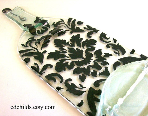 Recycled Wine Bottle Serving Tray/Cheese Board With Silver Spreader (Damask Pattern)