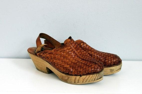 1970s Huarache woven leather wood heel clogs 6