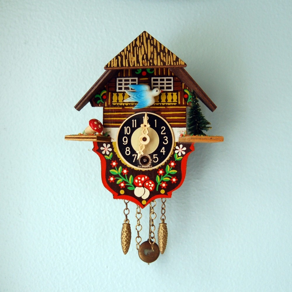 Sweet mushroom and blue bird mini cuckoo clock - Coo coo clock pendulum ...