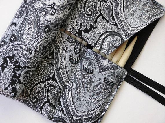 double pointed knitting needle organizer - case black, gray and white paisley -holds 14 sizes - sizes 1-15