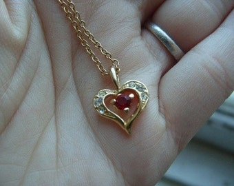 FREE SHIPPING Vintage Goldtone Red Rhinestone Heart Pendant Necklace