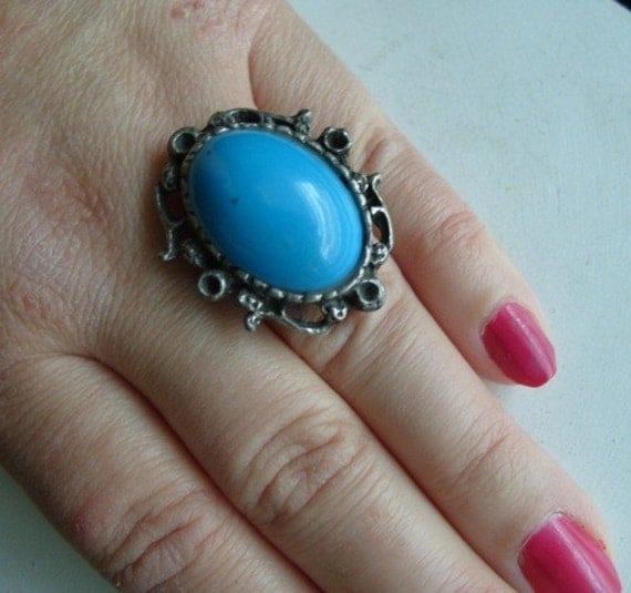 FREE SHIPPING Vintage Silvertone Chunky Faux Turquoise Ring