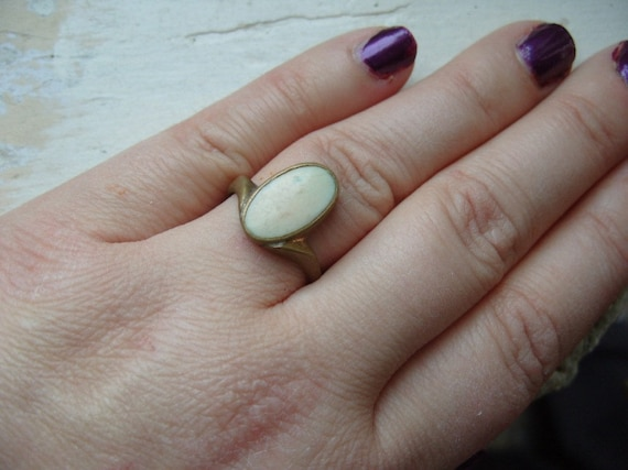 FREE SHIPPING Vintage Ring Brass with Ivory Colored  Enamel Accent - Size 9