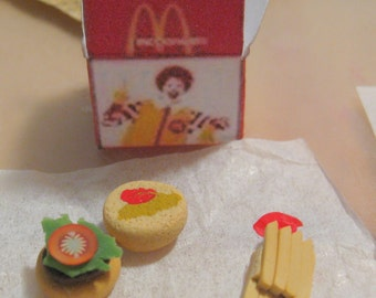 Miniature Kids fast food dollhouse
