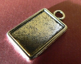 20 Small Rectangle Pendant Trays  Bezel Blank  Antique Silver Toned Charms Metal
