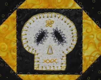 Sugar Skull Quilt, Silver and Gold