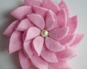 Felt Flower Pin (Light Pink)