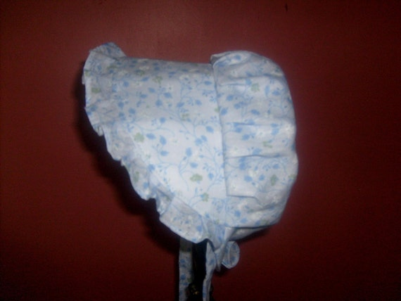 Baby Sunbonnet Blue Small 3 to 15 months - Faded Blue Vines LIMITED