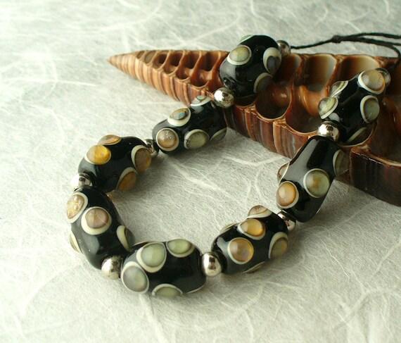 Lampwork Glass Beads handmade by Catalina Glass Reactive Glass Pods black ivory  organic sra