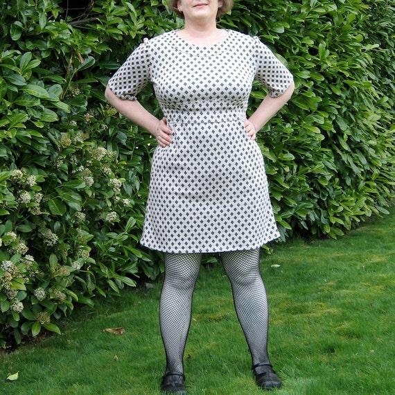 Lattice Dress - plus size - lavender green diamond grid vintage knit fabric - 44B-38W-47H
