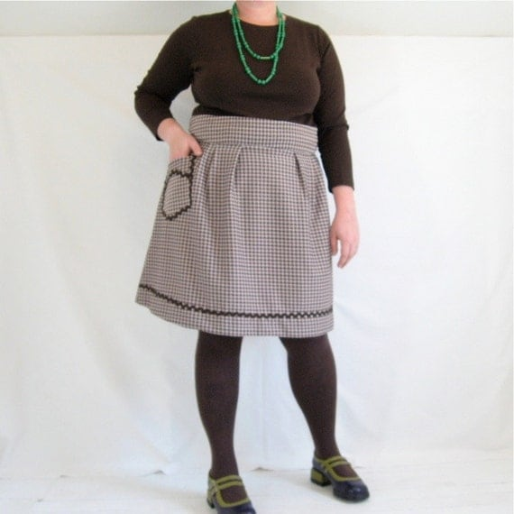 Flatterer Skirt - plus size - brown check vintage knit poly fabric - rick rack trim and real pocket - 49W-60H