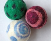 PDF instructions - Make your own Wool Juggling Balls / Dryer Balls
