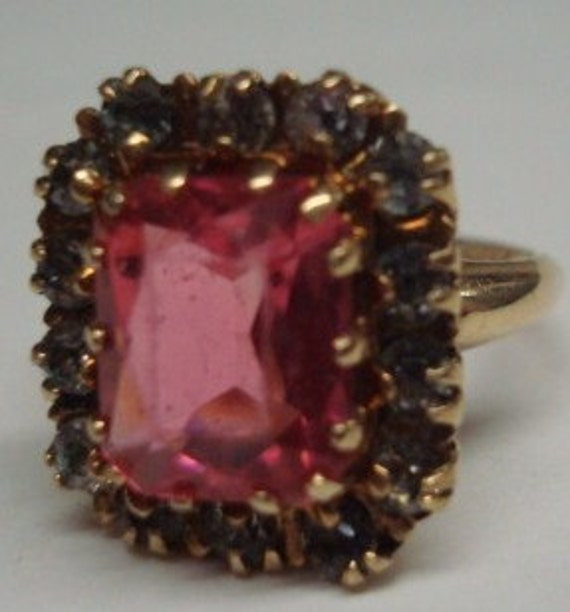 Gorgeous Chic 10K PSCO Vintage Ring with Large Pink Stone Size 6