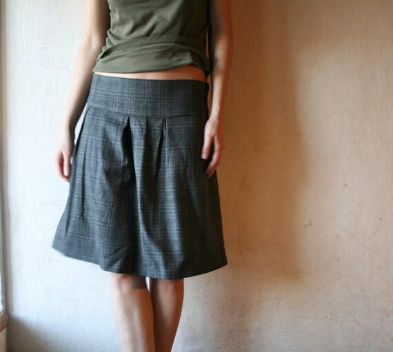 Pleated skirt in Grey Tartan