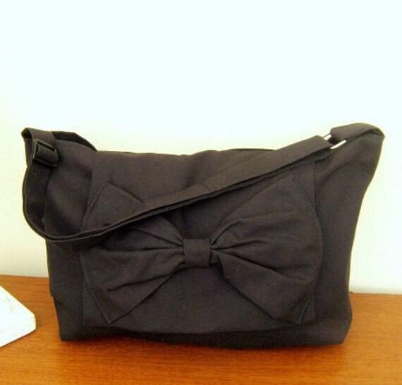 Handmade Adjustable strap laptop book bag Messenger bag in Raven black