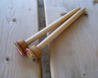 Maple  Knitting Needles  Size 13 - with vintage Wood Spool