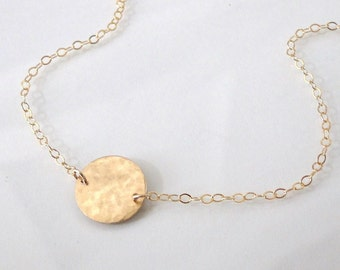 Single Circle Station Necklace - Small Hammered 14K Gold Filled - Femme
