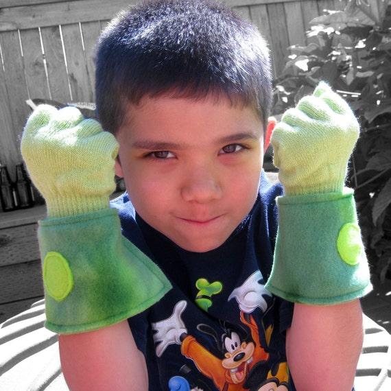 RESERVED for bellezamia - Super Hero Gloves - Green (MEDIUM)