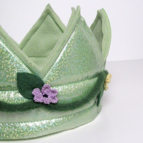 Royal Crown - Green with flowers and vines (SMALL) (WOWR010612-5R)