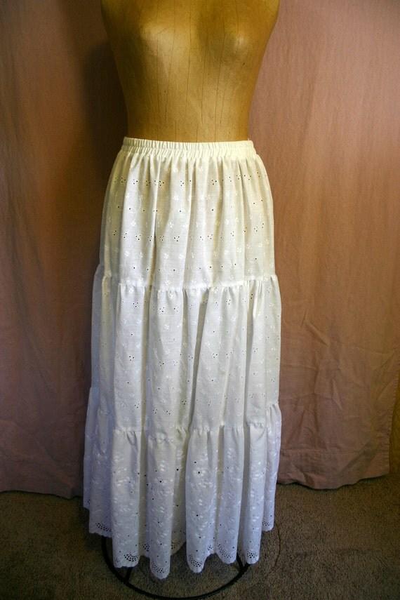 Vintage 70's 80's WHITE Eyelet Ruffle MAXI Western Prairie Skirt