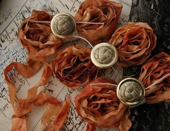 GYPSY CHARMS Cabbage Roses Ribbon