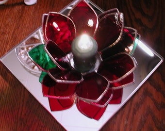 Red lotus flower tea light