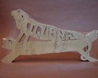 Iguana Lizard Reptile Animal Puzzle Wooden Toy Hand Cut  with Scroll Saw
