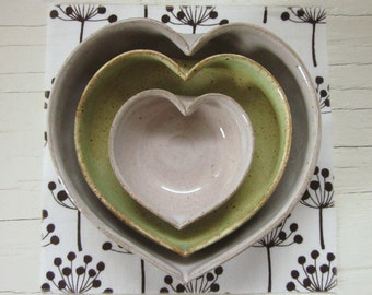 nesting ceramic heart bowls 4 inches - white with spring green