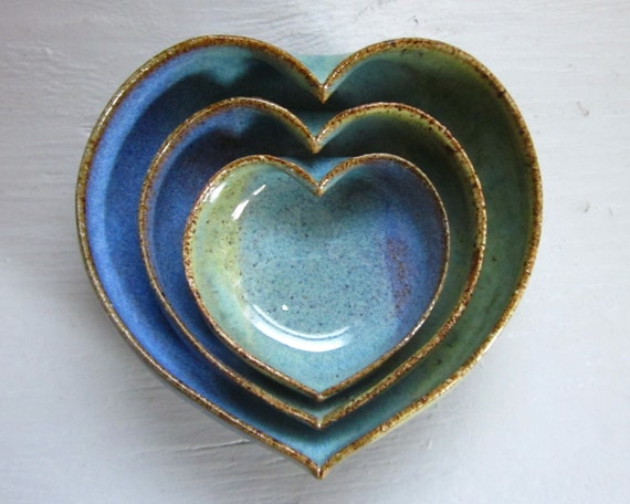 trio of miniature nesting hearts ready to ship pottery ceramic bowls dish 3 1/2inches