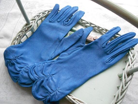 Vintage 1950s Midnight Blue Shirred Rayon Gloves Size 7 Van Raalte new old stock
