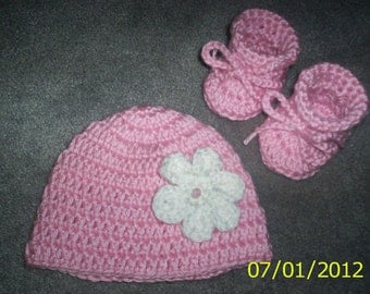 Baby Girl Crochet Hat and Booties set  Pink with white flower  beanie 0 - 3 months