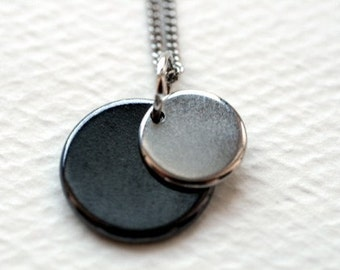 Floating Circles Necklace