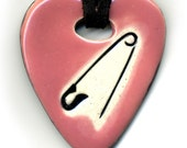 I Love DIY or Safety Pin in Pink