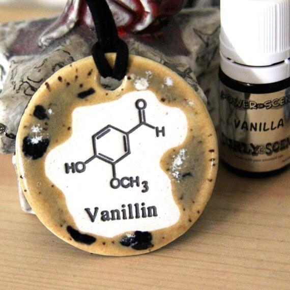 Vanilla Scented Ceramic Chemistry Necklace with Vanilla Oil in medium size