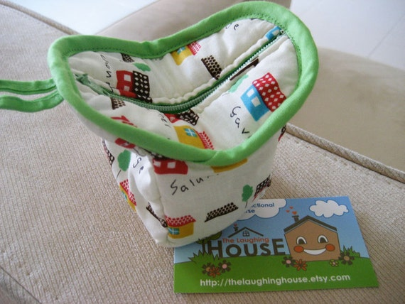 Paw-Me Coin Pouch (Little Cottages in White)