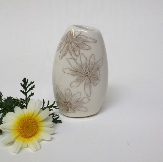 Porcelain Gizella Vase With Sepia Brown Flowers