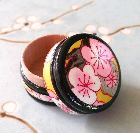 Japanese Ring Box Wood Keepsake Box in Chiyogami - Sakura on Curry