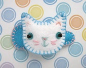 Kitty Hairclip - Turquoise and White