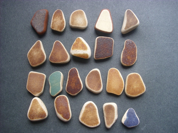 21 pieces of beach pottery  M35