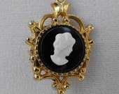 Vintage Necklace, Cameo, Double-Sided, Black and White, Goldtone, ca 1960 NT-292