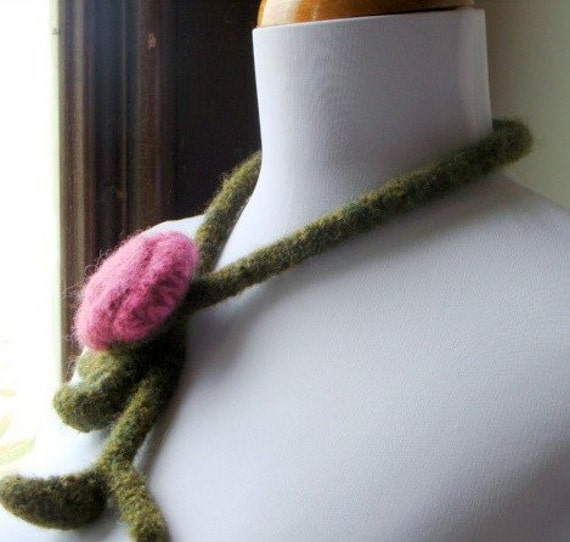 Felted Wool Lariat Necklace - Romantic Rose