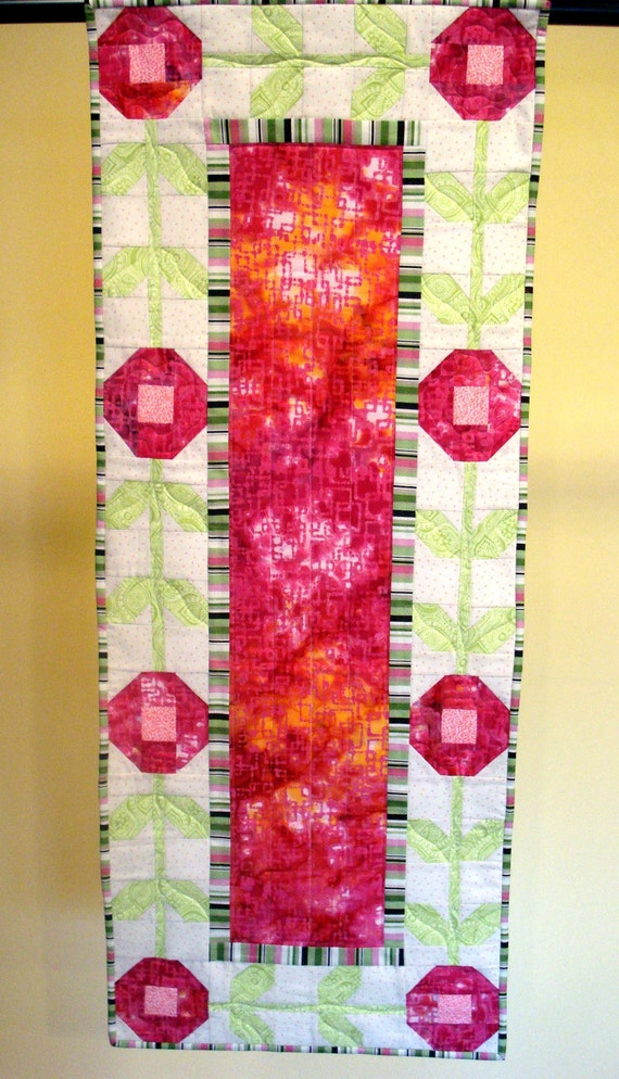 Table Runner In Spring Floral Cottage Style Design