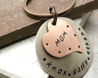 Personalized Mother's Keychain, mother's day gift, gifts for mom, Mom's keychain, Mommy keychain, Copper heart on nickel silver,