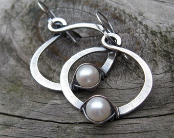 Fresh water pearl sterling silver hoop dangle earrings