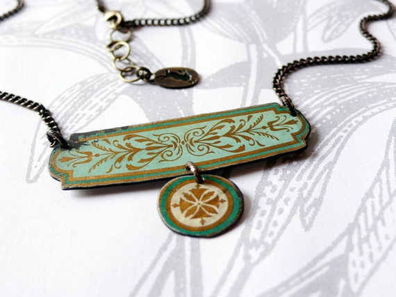 tesouro - vintage tin and brass necklace