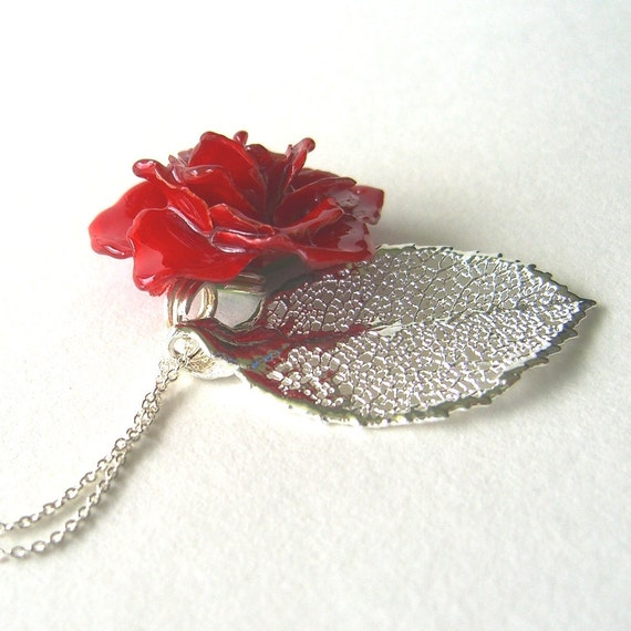 Romance - Real Rose Necklace