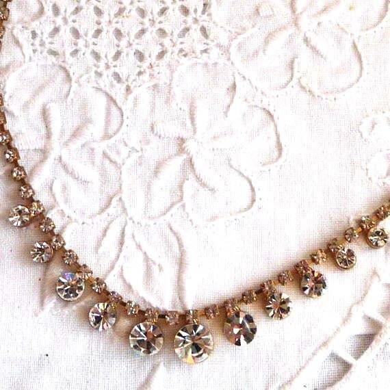 Rhinestone necklace...dainty vintage drop