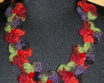 A Pocket Full of Posies Felted Primitive Floral Necklace