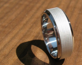 "Men's Wedding Band Titanium ""Brushed Koenig"""